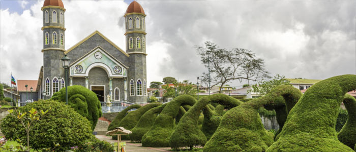 Churches and parks in Costa Rica