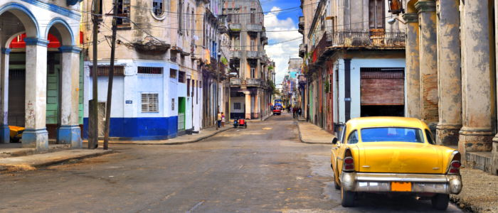 Car in the streets of Cuba