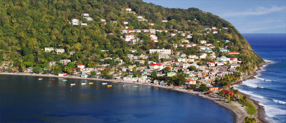 Dominica's fishermen's villages at the sea