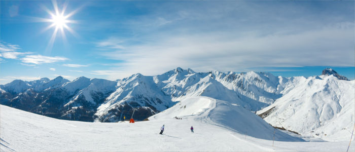 Sports and leisure activities in the French Alps