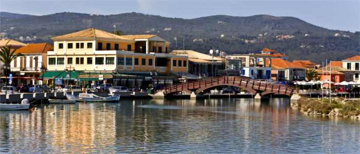 Small restaurants, shops and bars on Lefkada