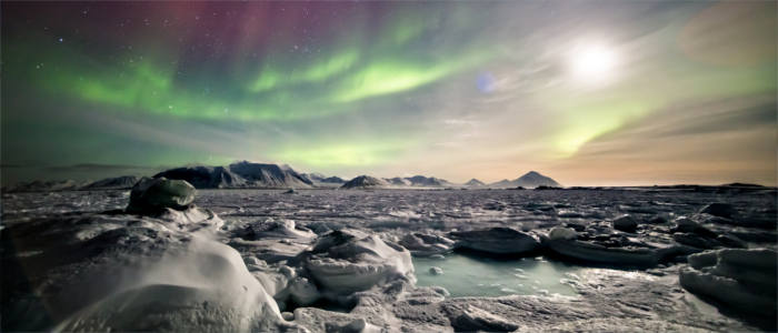 Greenland's ice and northern lights