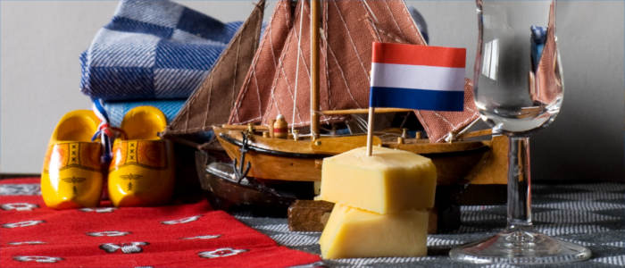 Cheese and typical souvenirs from the Netherlands