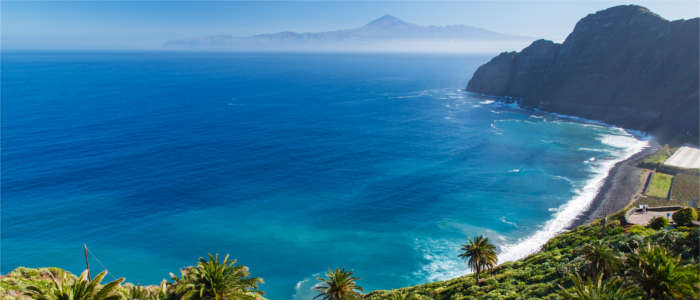 Beach on La Gomera with a view of Tenerife