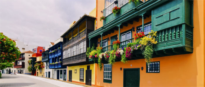 Colourful houses in Santa Cruz