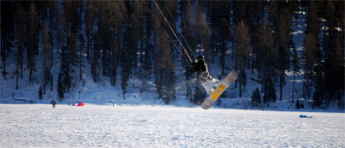 Winter sports on the lakes in the Engadin