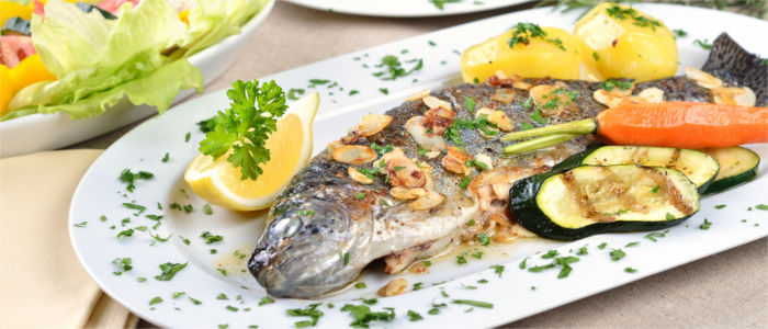Trout with almonds, lemon and potatoes
